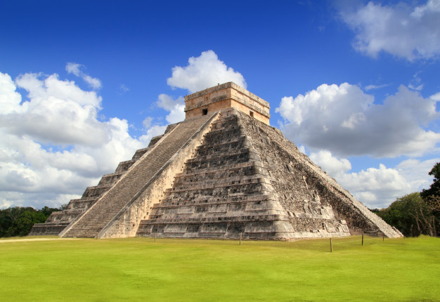 Visit the historic Chichén Itzá