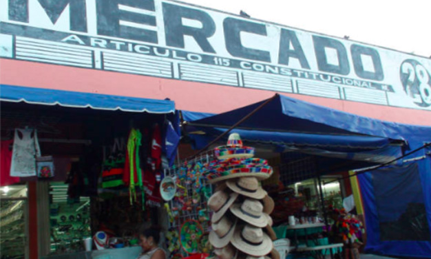 Local Vendors Cancun